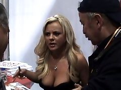 Sexy Superstar Bree Olson Is So Down To Earth And She Loves Her Aficionados