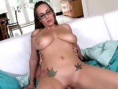 Jasmin 34dd Tits Are Made For Porno