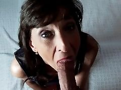 Lil' Dark Haired Mummy Performs Blowage Perfection Cim