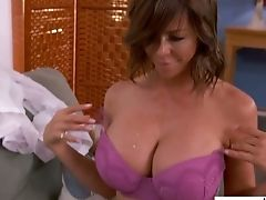 Fabulous Vivid Mummy Alexis Fawx Lures Neighbor As She Thirsts For Fuckfest