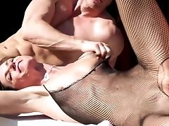 Milkingtable Horny Mummy Fucks The Neighbour