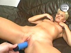 Granny S Gonna Suck! - Julia Reaves