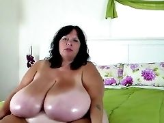 Bbw Mummy Oils Her Thick Tits - Go2cams.com